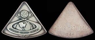 Apollo 8 - Apollo 8 space-flown silver Robbins medallion