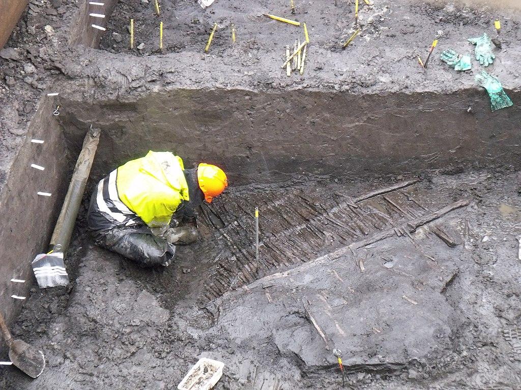 1024px-Archaeology_rotterdam_rotta_1.jpg