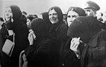 Atatürk'ün cenazesinde ağlayan insanlar.jpg
