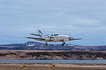 Avion décollant de l'aéroport de Miquelon.jpg