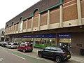 Aylesbury library (24924657035).jpg