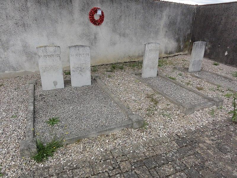 Azelot (M-et-M) tombes de guerre de la CWGC