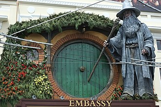 Embassy Theatre, Wellington - When the Theatre hosts film premiers, it is often adorned with film-related sculptures