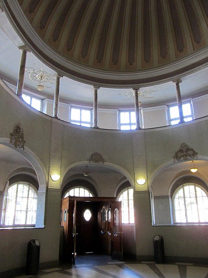 Bains Municipaux Monument Historique 224 Strasbourg