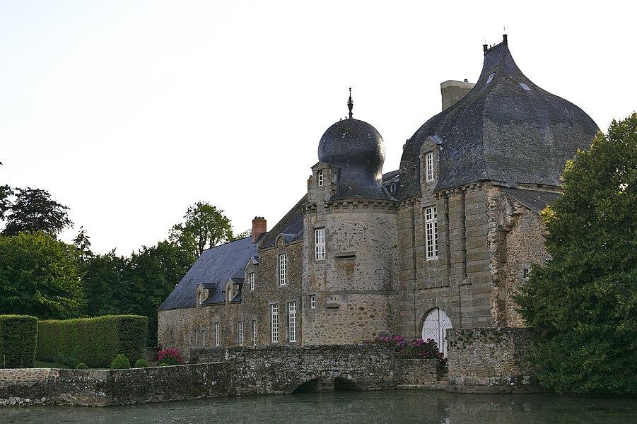Château de Montesson à Bais (Mayenne).
