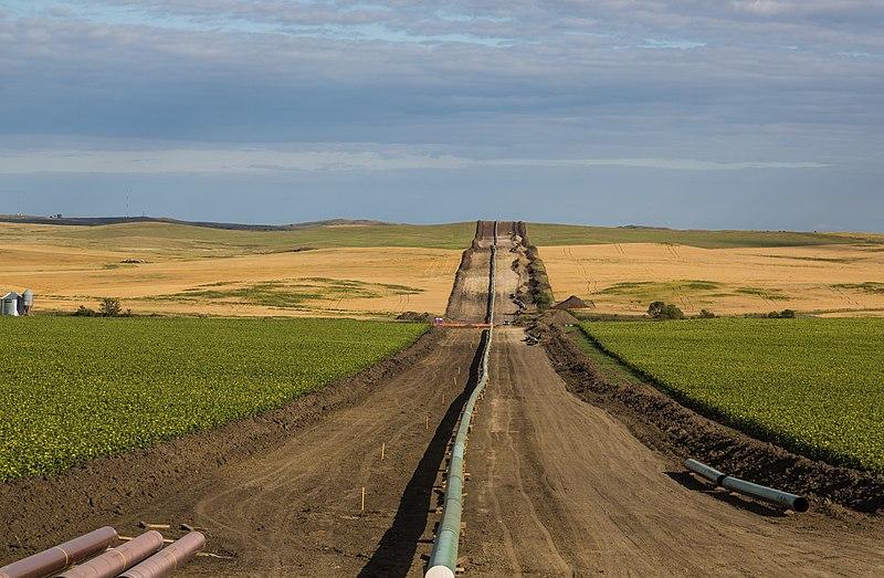 Bakken - Dakota Access Oil Pipeline, North Dakota (29357938502).jpg