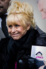 Barbara Windsor na pogrzebie Wendy Richard w 2009 roku