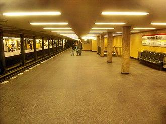 U2 (Berlin U-Bahn) - Zoologischer Garten station, looking towards Ruhleben