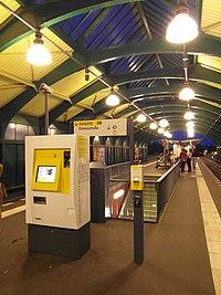 Berlin - U-Bahnhof Schönhauser Allee - Linie U2 (7592901848).jpg