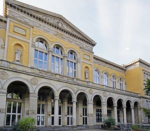German fashion - Berlin University of the Arts (UDK)