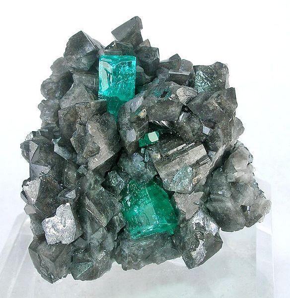 File:Beryl-Calcite-vlt-23a.jpg