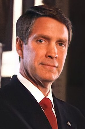 United States Senate elections, 2004 - Image: Bill Frist official photo (cropped)