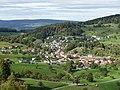 Blick von der Ruine Gilgenberg nach Zullwil, Solothurner Faltenjuras, Schweiz.jpg