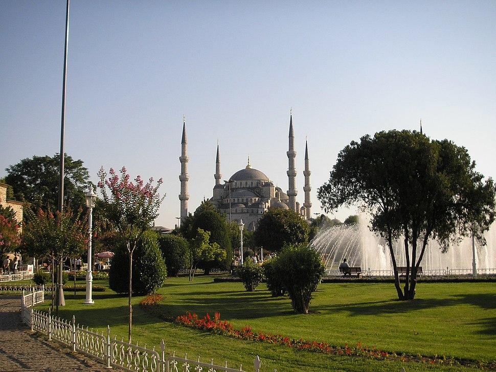 Blue mosque exterior Istanbul 2007 004