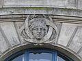 Bordeaux mascaron quai Richelieu petites armoiries.JPG