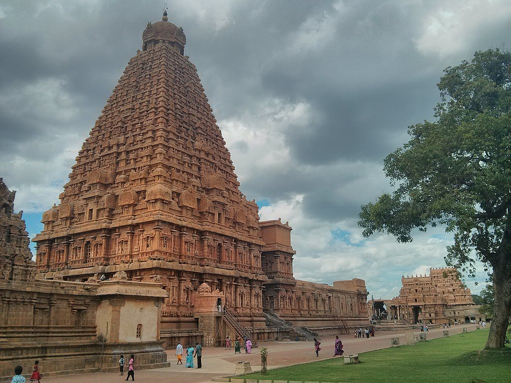 Brihadishvara Temple south west view.jpg