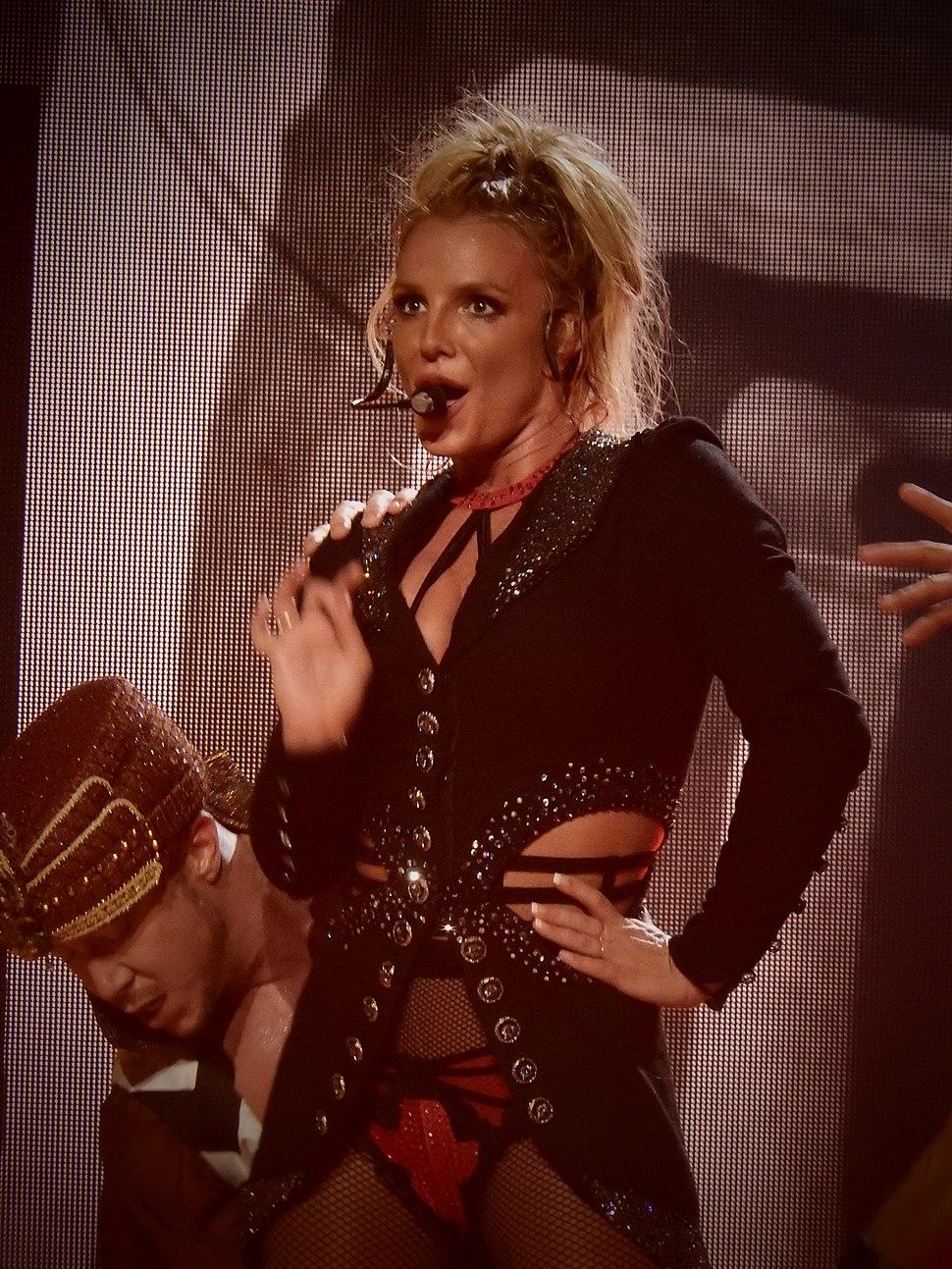 Britney Spears, Roundhouse, London (Apple Music Festival 2016) (30043276052)