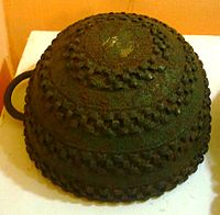 Bronze pot, Igbo-Ukwu, 9th century.JPG