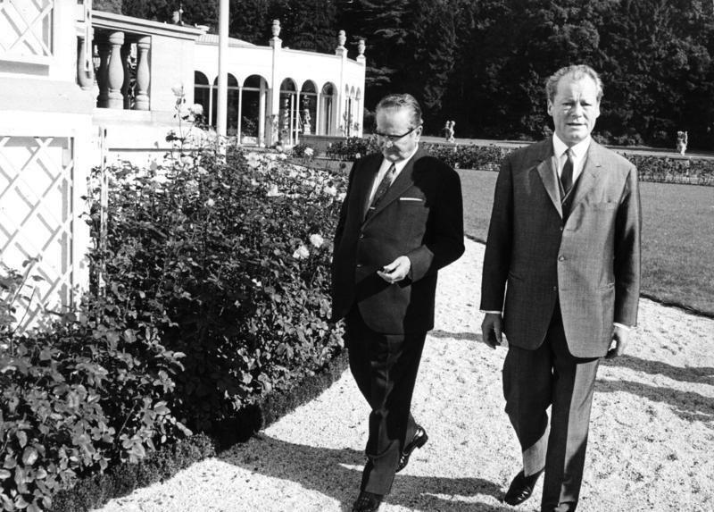 Bundesarchiv B 145 Bild-F032669-0029, Bonn, Brandt mit Staatspräsident Tito