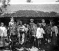 COLLECTIE TROPENMUSEUM Drie kinderen dragen ceremoniële kleding en zitten op rijk versierde paarden die dansen uitvoeren ter gelegenheid van hun besnijdenisfeest te Pasuruan Oost-Java TMnr 10002925-stitched.jpg