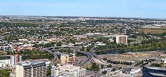 Bridgeland, Calgary - Bridgeland is connected to Downtown Calgary by four bridges