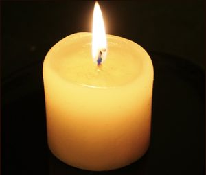 Photograph of a candle - version without refle...
