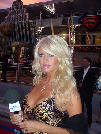 Carolina Gynning - Gynning at the Monaco Grand Prix in 2006 before the implants were removed.