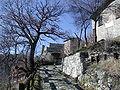 Castello delle carpinete accesso.jpg