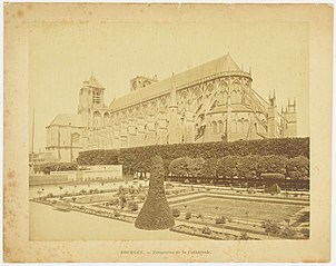 Photographie de l'extérieur de la cathédrale de Bourges