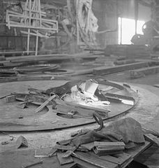 Cecil Beaton Photographs- Tyneside Shipyards, 1943 DB202.jpg