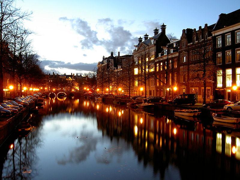 °ˆ~*¤®§(*§ أمستردام §*)§®¤*~ˆ° 800px-Channel_Amsterdam.JPG