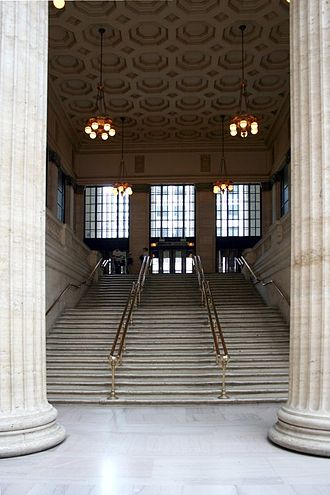Chicago Union Station - One of the two grand staircases, where famous movie scenes, such as in The Untouchables (1987), were filmed.