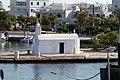 Chiesa nel porto di Chora (Naxos) - panoramio.jpg