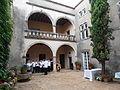 Chorale dans la cour intérieure du château.JPG