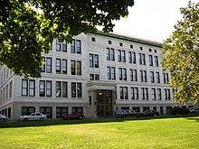 Edificio scolastico a più piani