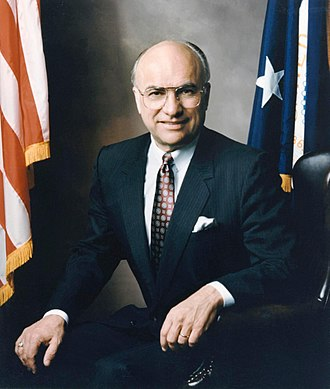 Clayton Yeutter - Image: Clayton Yeutter, 23rd Secretary of Agriculture, February 1989 March 1991