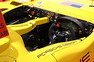 Porsche RS Spyder - Image: Cockpit porsche