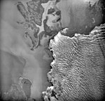 Columbia Glacier, Calving terminus, Heather Island, July 15, 1977 (GLACIERS 1302).jpg