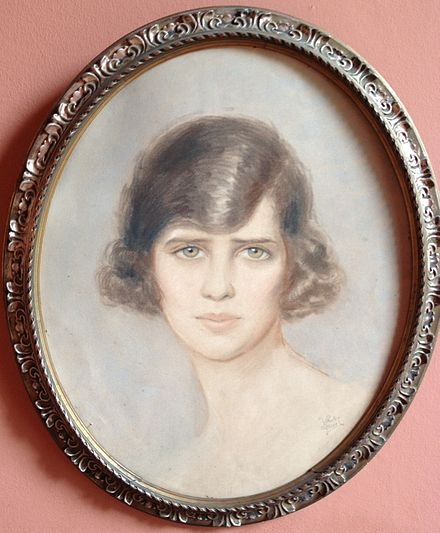 Elisabeth Countess of Torring-Jettenbach, pastel painting by the painter Vera Stanley Alder Countess of Toerring-Jettenbach.JPG