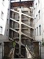 Cour des Voraces - Escalier central avec vue sur l'escalier monumental.jpg