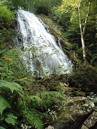 Crabtree Falls (North Carolina) - Image: Crabtree falls blue ridge parkway