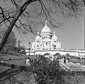 De Basilique du Sacré-Coeur op de heuvel Montmartre, Bestanddeelnr 254-0602.jpg