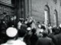 Demonstration mod Danmarks tilslutning til antikominternpagten. Demonstranter på trappen til Københavns Rådhus d. 25. november 1941 (7368484308).jpg