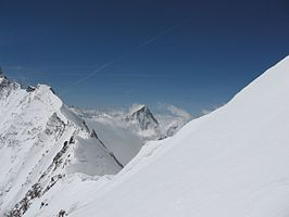 Dent Blanche and Weisshornjoch from Bishorn, 2006 (161212318).jpg