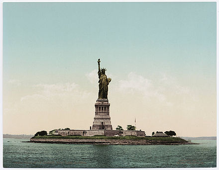 Statue of Liberty ca. 1900 showing the original copper color Detroit Photographic Company (0707).jpg
