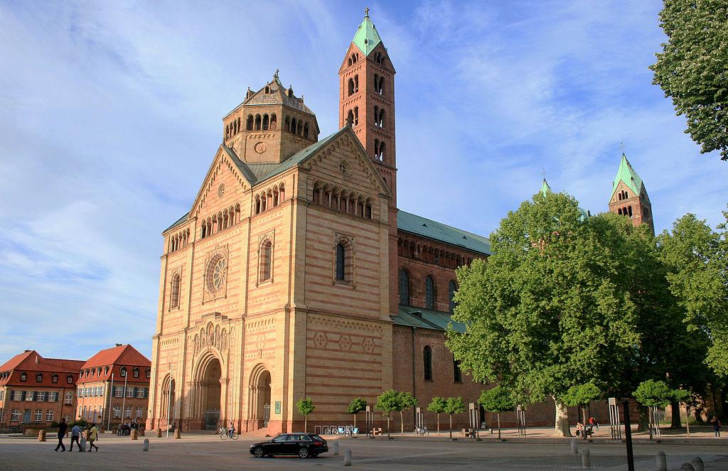 Dom zu Speyer Portalansicht