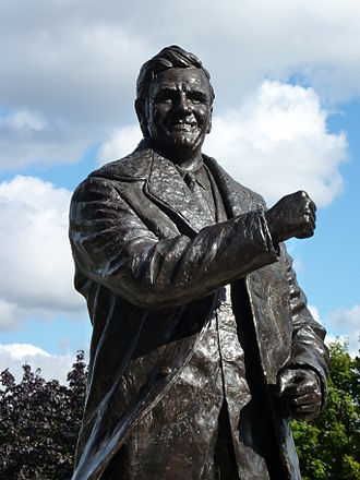 Leeds United F.C. - Don Revie statue outside Elland Road