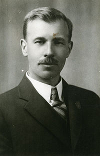 Dr. Robert C. Wallace - (ca. 1931) (16842517976).jpg