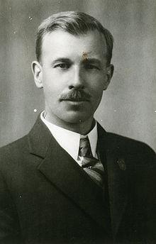 Dr. Robert C. Wallace - (ĉ. 1931) (16842517976).jpg