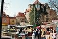 Droyßig, Frühlingsmarkt vor dem Schloss.jpg